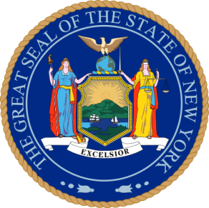 Escudo oficial del Estado de Nueva York. By United States. - Own work, center image extracted from N.Y. flag, and altered to fit the seal., Public Domain, https://commons.wikimedia.org/w/index.php?curid=4133695